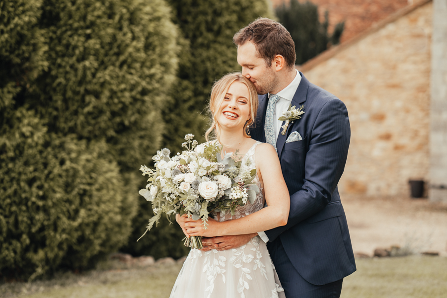 Quintessential and Elegant English Styled Shoot at Notley Abbey (29)