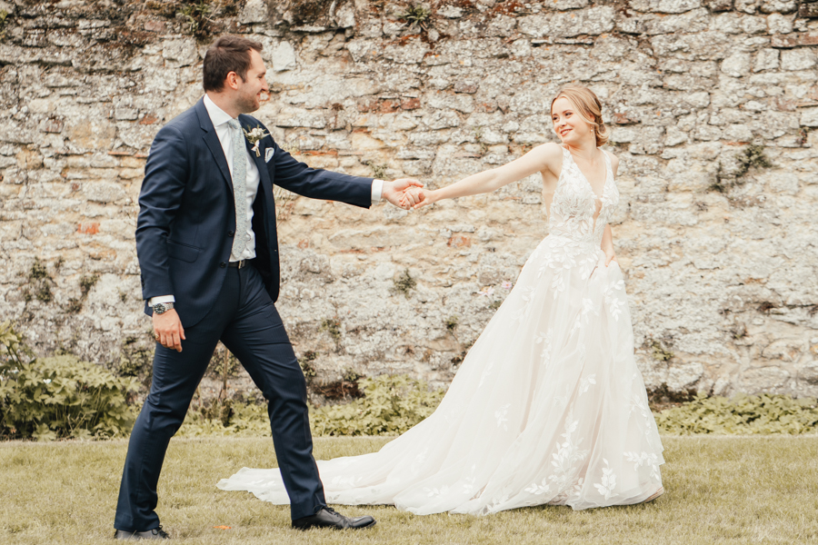 Quintessential and Elegant English Styled Shoot at Notley Abbey (30)