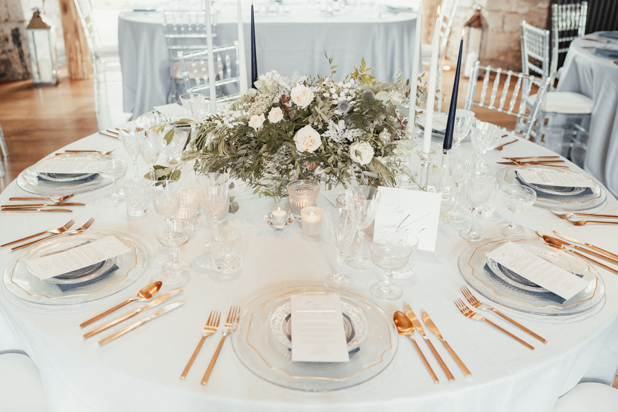 Quintessential and Elegant English Styled Shoot at Notley Abbey (3)