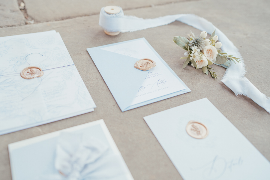 Quintessential and Elegant English Styled Shoot at Notley Abbey (35)