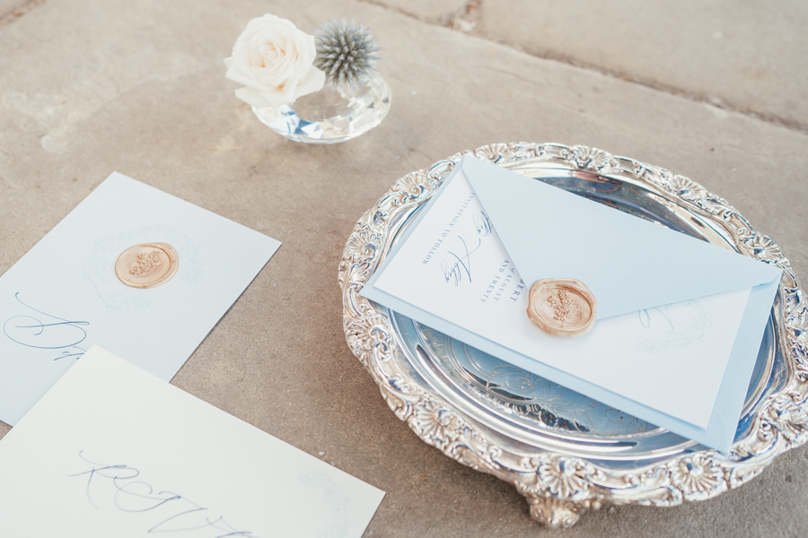 Quintessential and Elegant English Styled Shoot at Notley Abbey (36)