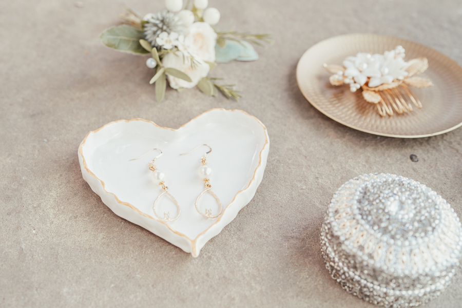 Quintessential and Elegant English Styled Shoot at Notley Abbey (37)