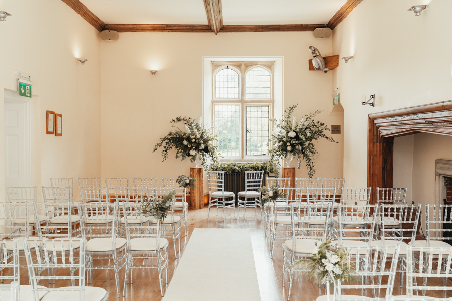 Quintessential and Elegant English Styled Shoot at Notley Abbey (40)