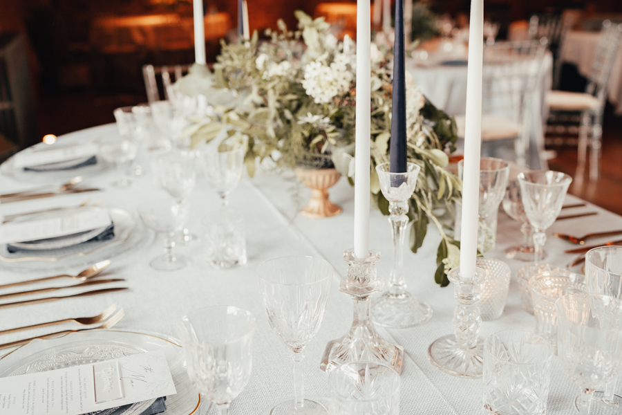 Quintessential and Elegant English Styled Shoot at Notley Abbey (1)