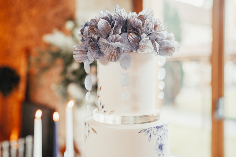 Quintessential and Elegant English Styled Shoot at Notley Abbey (6)