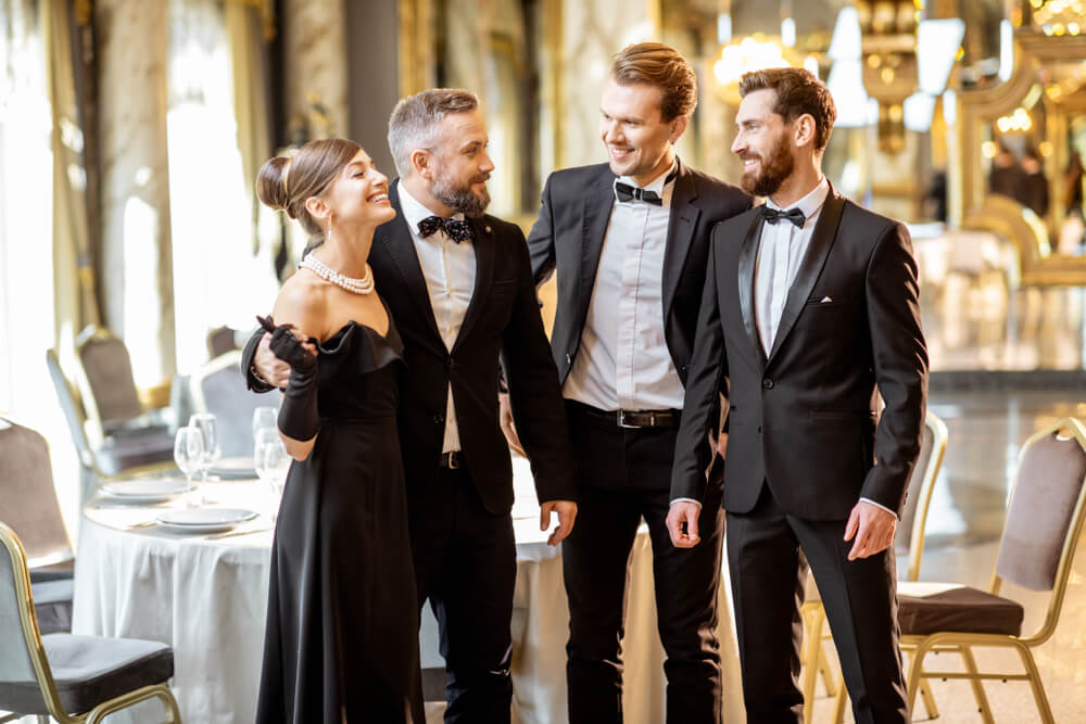Tuxedo wedding style for men, with Suit Direct (2)