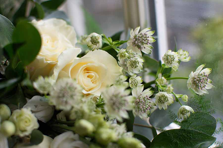 Elegant and timeless wedding styling at Bradfield College, with Lorna Richerby Photography (8)