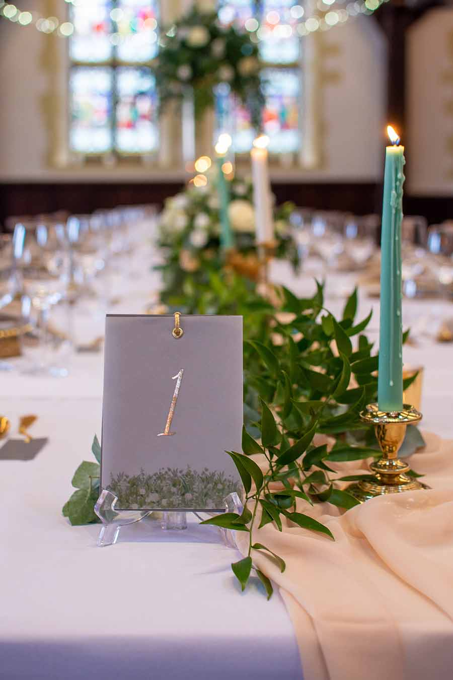 Elegant and timeless wedding styling at Bradfield College, with Lorna Richerby Photography (13)