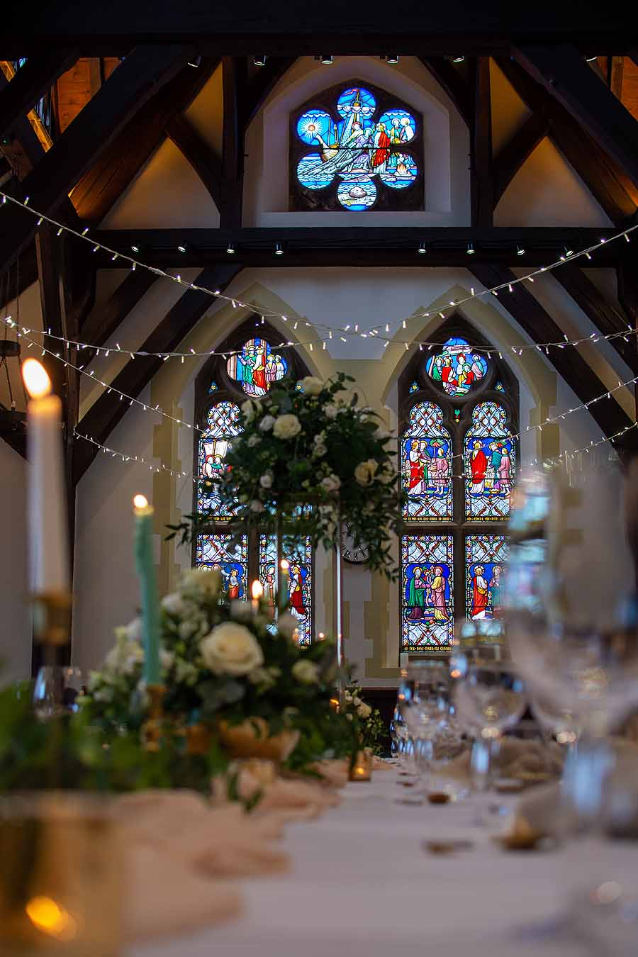 Elegant and timeless wedding styling at Bradfield College, with Lorna Richerby Photography (14)