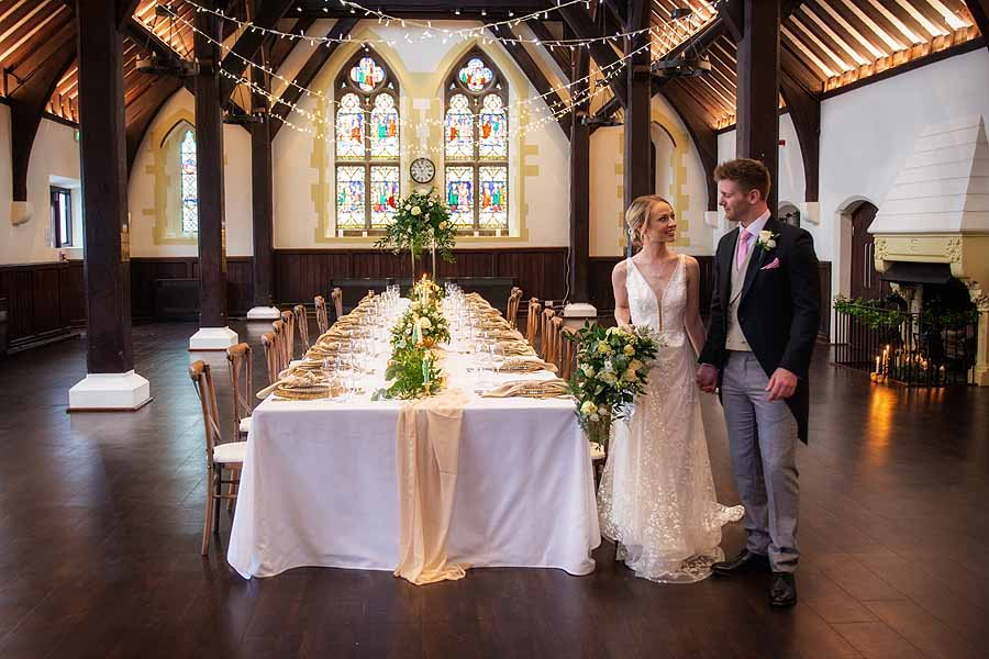 Elegant and timeless wedding styling at Bradfield College, with Lorna Richerby Photography (15)