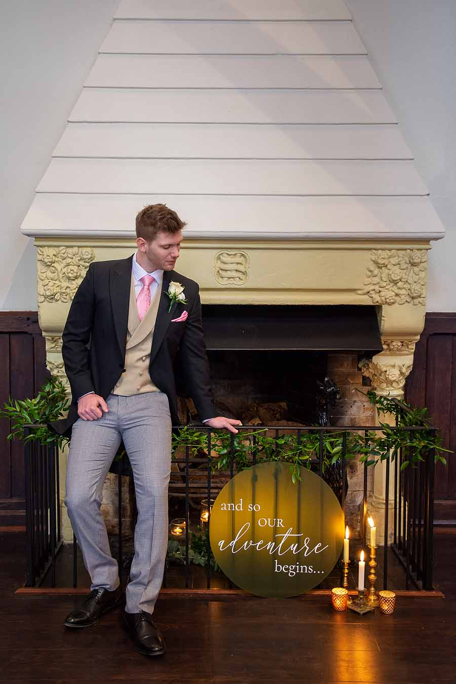 Elegant and timeless wedding styling at Bradfield College, with Lorna Richerby Photography (22)