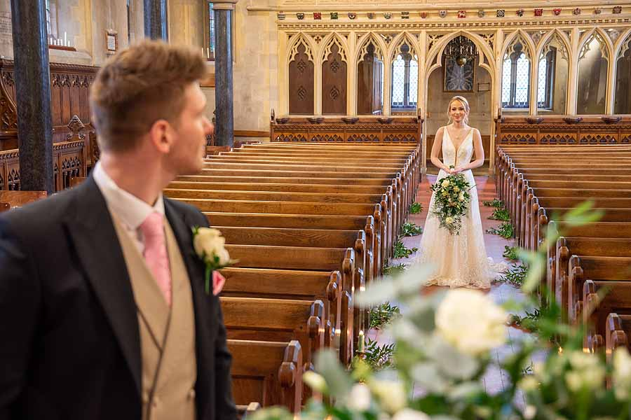 Elegant and timeless wedding styling at Bradfield College, with Lorna Richerby Photography (29)