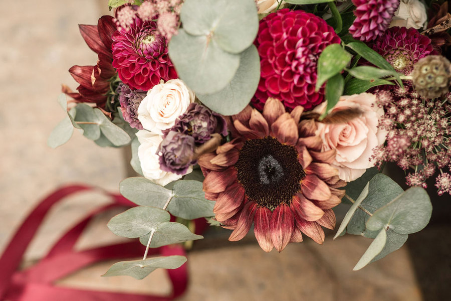 Autumnal burgundy wedding style inspiration with Becky Harley Photography (15)