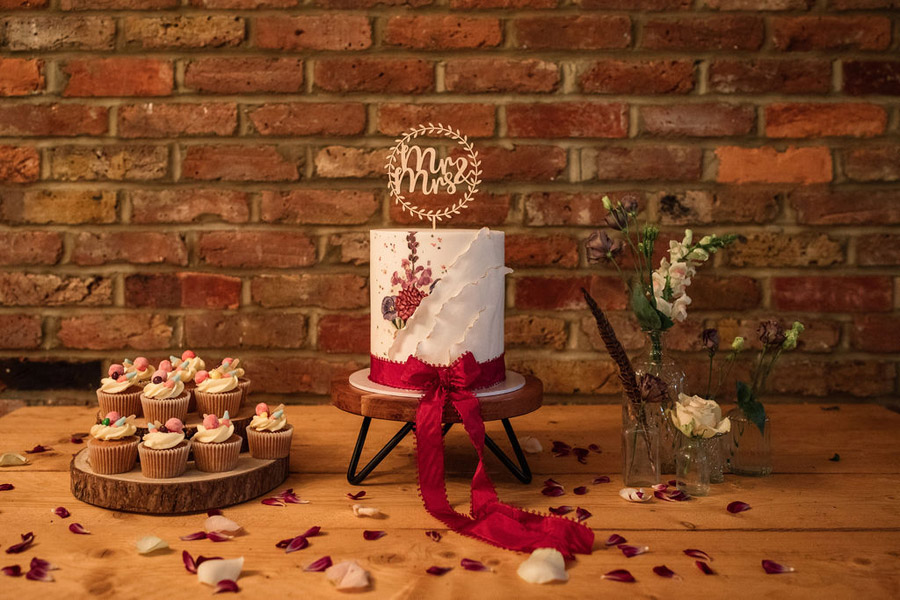 Autumnal burgundy wedding style inspiration with Becky Harley Photography (22)