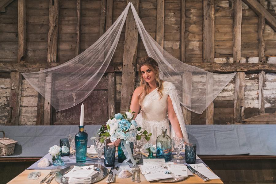 Eco beach wedding inspiration, with Confetti Coast Photography and Amethyst Weddings (12)
