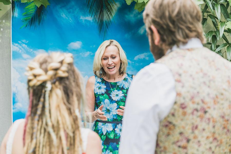 Eco beach wedding inspiration, with Confetti Coast Photography and Amethyst Weddings (17)
