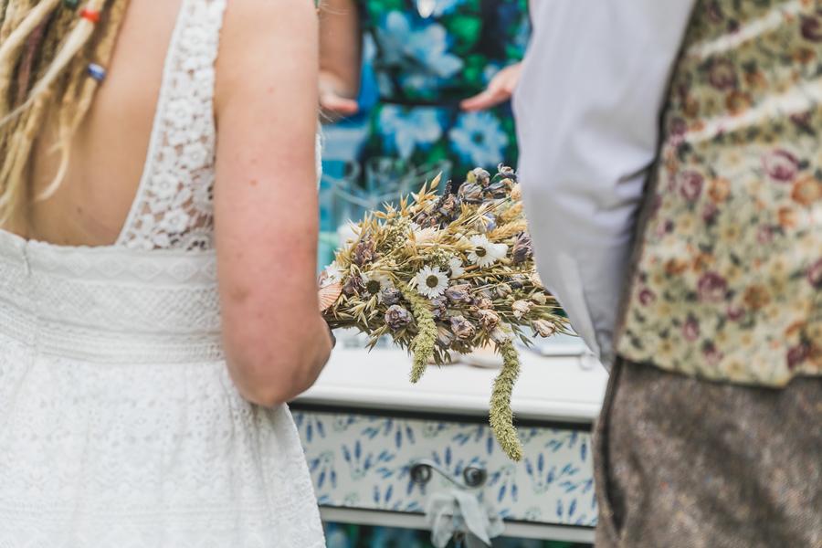 Eco beach wedding inspiration, with Confetti Coast Photography and Amethyst Weddings (18)