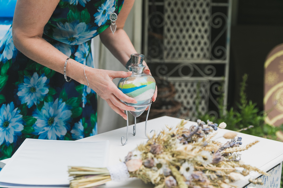 Eco beach wedding inspiration, with Confetti Coast Photography and Amethyst Weddings (21)