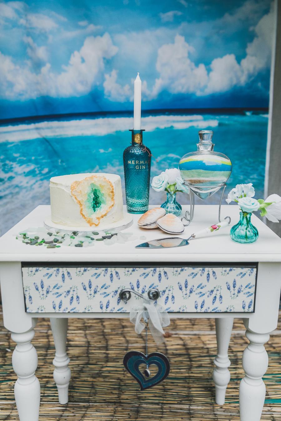 Eco beach wedding inspiration, with Confetti Coast Photography and Amethyst Weddings (25)