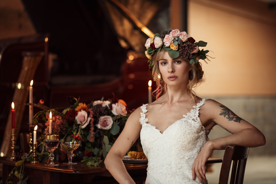 Victorian Modern Wedding style with Lifelike Photography and Vicki's Floral Design (16)