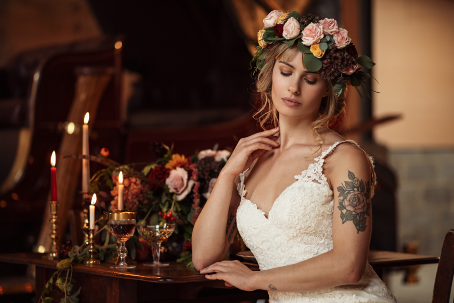 Victorian Modern Wedding style with Lifelike Photography and Vicki's Floral Design (17)