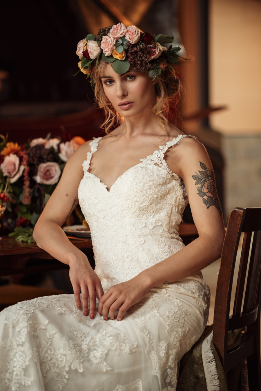 Victorian Modern Wedding style with Lifelike Photography and Vicki's Floral Design (18)