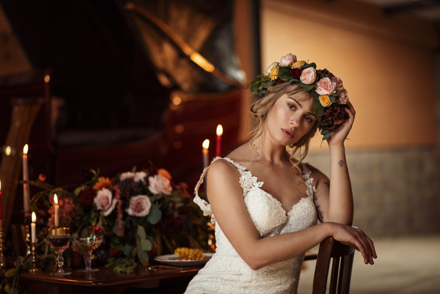 Victorian Modern Wedding style with Lifelike Photography and Vicki's Floral Design (19)