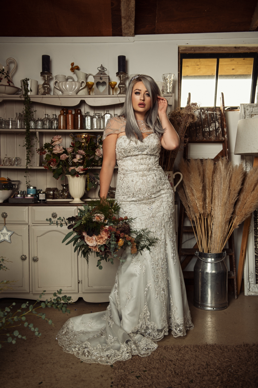 Victorian Modern Wedding style with Lifelike Photography and Vicki's Floral Design (9)