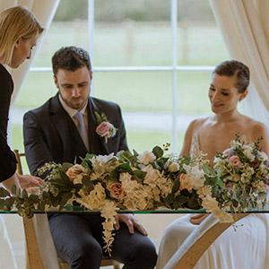 Keyleigh Marie Weddings with bride and groom Photographer Hannah Sharpe Photography