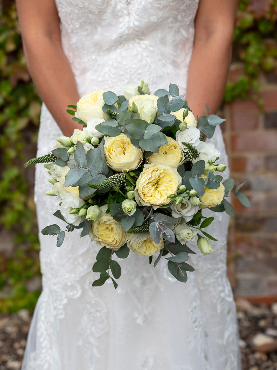 Romantic Romsey, olde worlde charm for a Hampshire wedding, with Dom Brenton Photography (12)