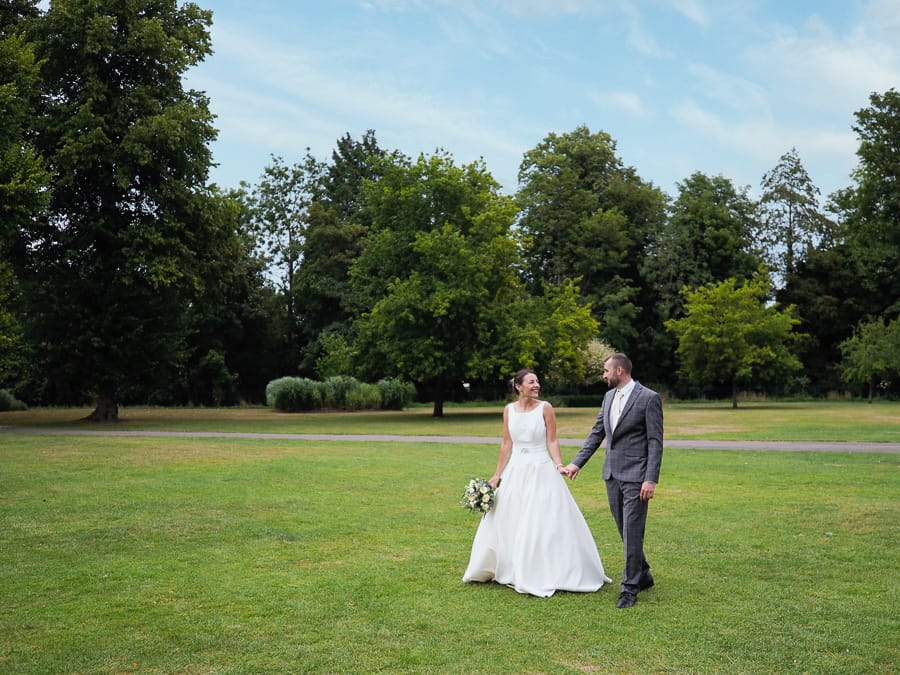 Romantic Romsey, olde worlde charm for a Hampshire wedding, with Dom Brenton Photography (28)
