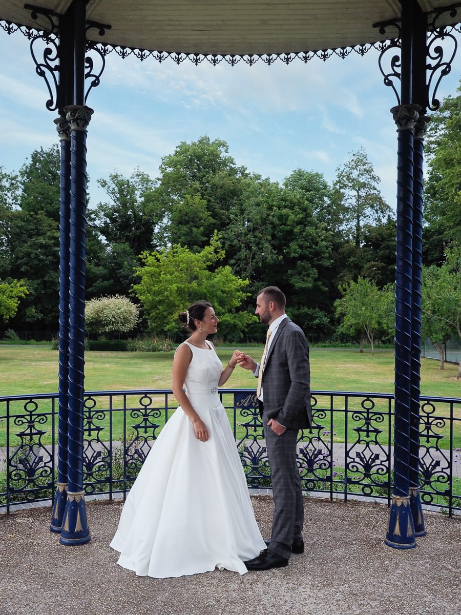 Romantic Romsey, olde worlde charm for a Hampshire wedding, with Dom Brenton Photography (24)
