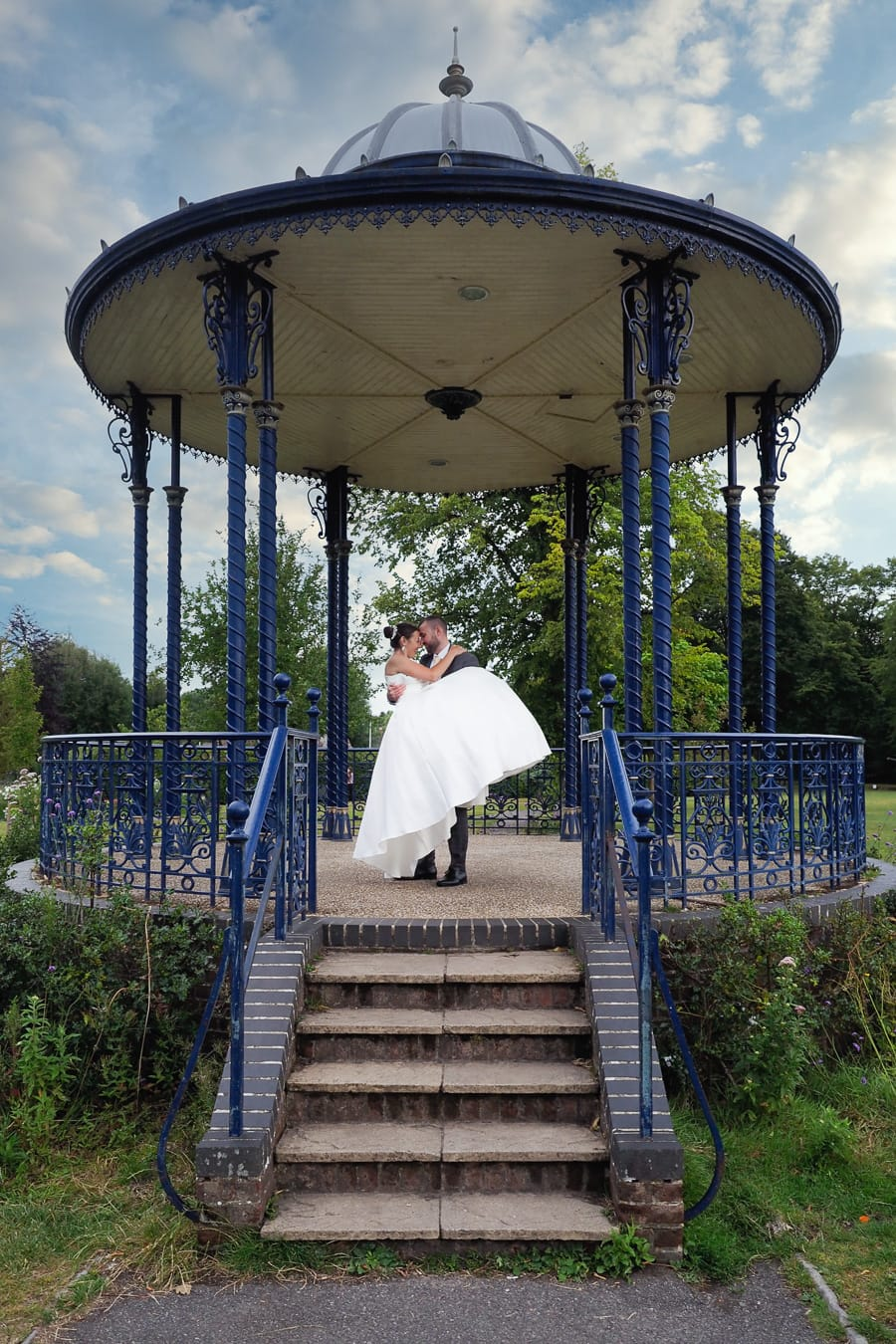 Romantic Romsey, olde worlde charm for a Hampshire wedding, with Dom Brenton Photography (22)