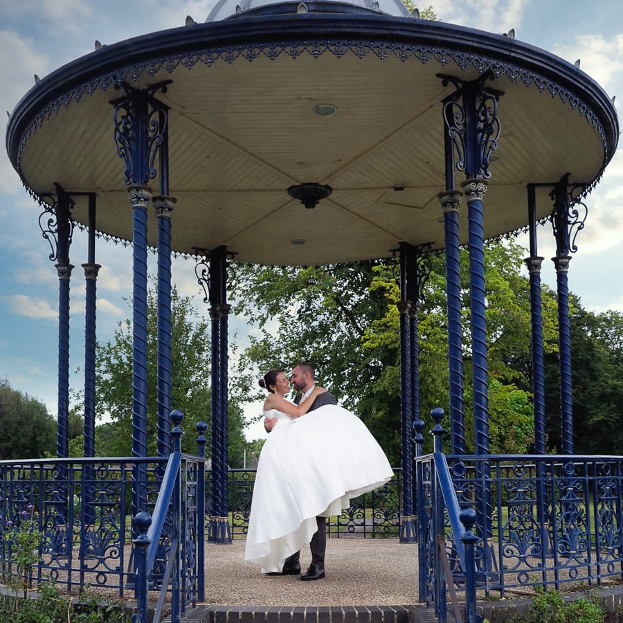 Romantic Romsey, olde worlde charm for a Hampshire wedding, with Dom Brenton Photography (21)
