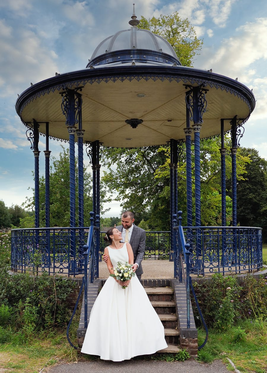 Romantic Romsey, olde worlde charm for a Hampshire wedding, with Dom Brenton Photography (18)