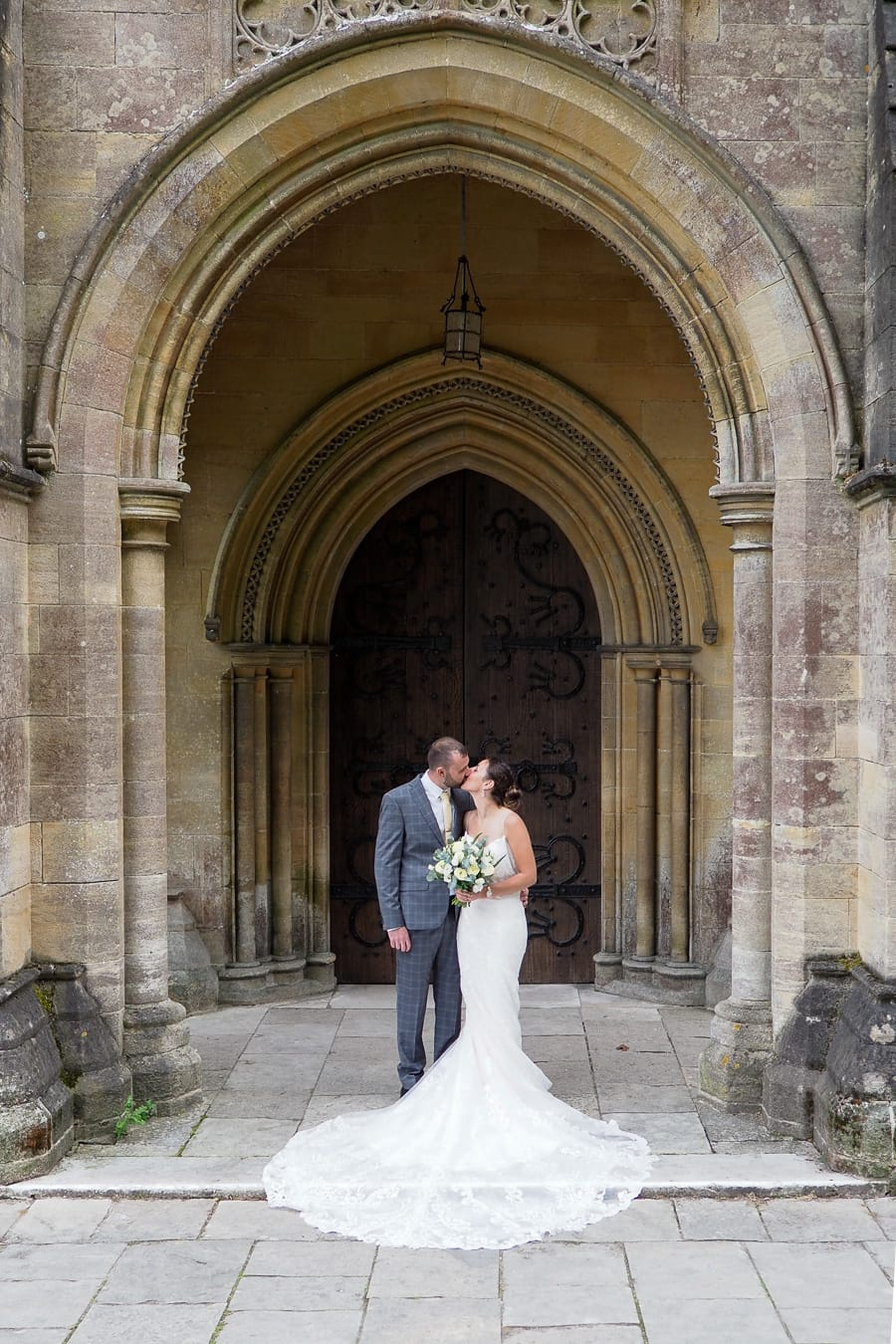 Romantic Romsey, olde worlde charm for a Hampshire wedding, with Dom Brenton Photography (14)