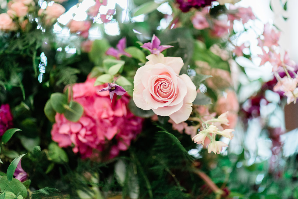 Forever Yours, a fabulously floral bridal shoot in Surrey with Tes Moments and Camilla J Hards Photography (8)