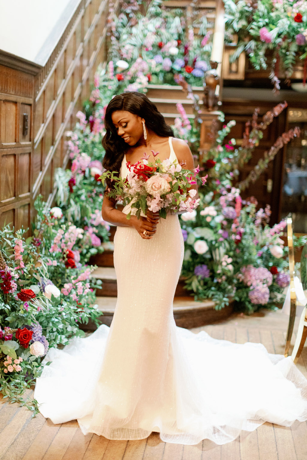 Forever Yours, a fabulously floral bridal shoot in Surrey with Tes Moments and Camilla J Hards Photography (21)