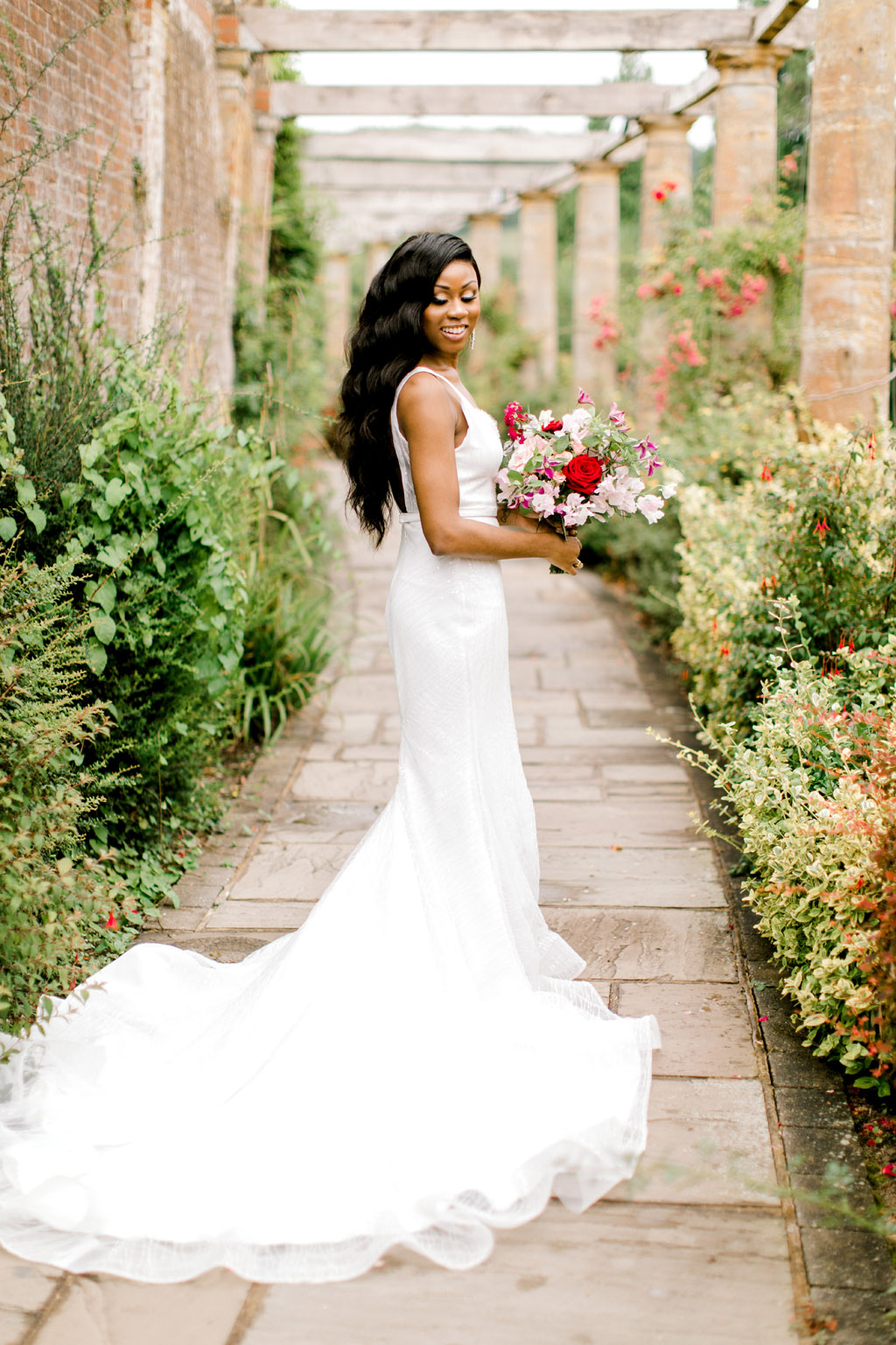 Forever Yours, a fabulously floral bridal shoot in Surrey with Tes Moments and Camilla J Hards Photography (35)