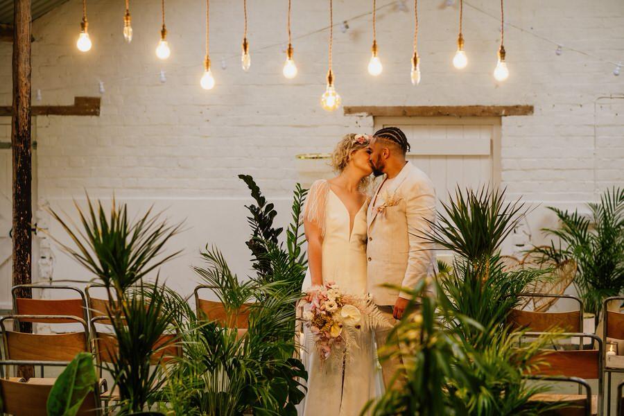 Free spirited modern jungle wedding inspiration at White Syke Fields, image credit Jenna Kathleen Photography (15)