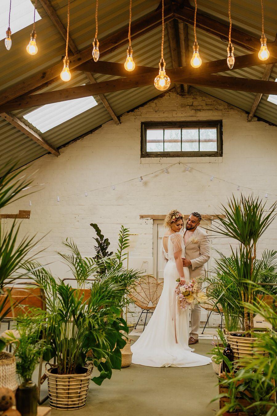 Free spirited modern jungle wedding inspiration at White Syke Fields, image credit Jenna Kathleen Photography (17)