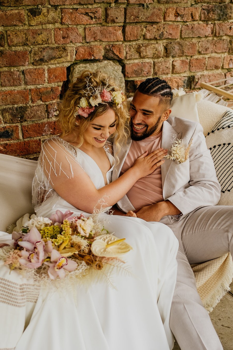 Free spirited modern jungle wedding inspiration at White Syke Fields, image credit Jenna Kathleen Photography (18)