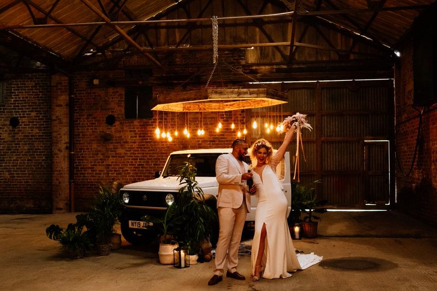 Free spirited modern jungle wedding inspiration at White Syke Fields, image credit Jenna Kathleen Photography (21)