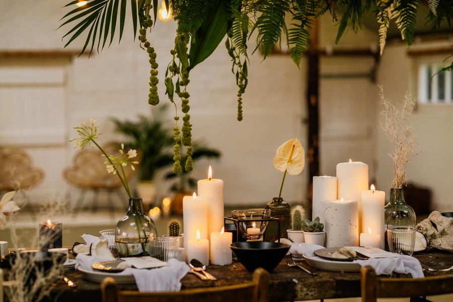 Free spirited modern jungle wedding inspiration at White Syke Fields, image credit Jenna Kathleen Photography (23)