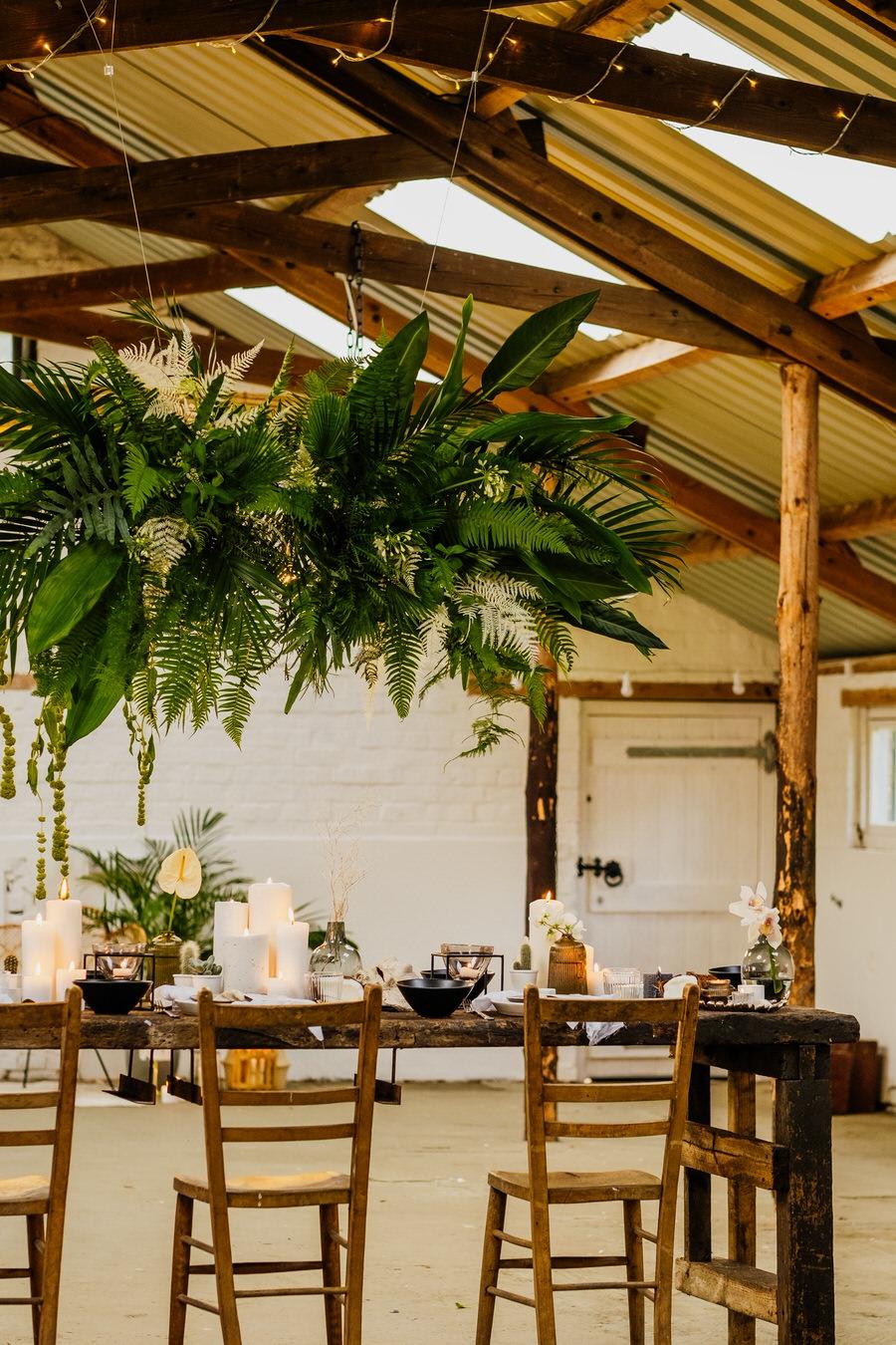 Free spirited modern jungle wedding inspiration at White Syke Fields, image credit Jenna Kathleen Photography (26)
