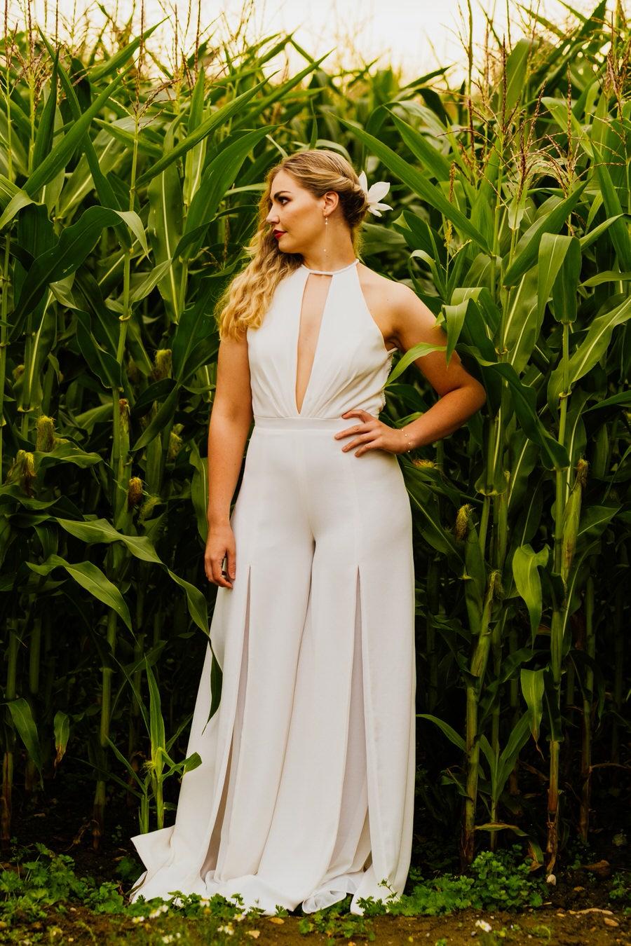 Free spirited modern jungle wedding inspiration at White Syke Fields, image credit Jenna Kathleen Photography (36)