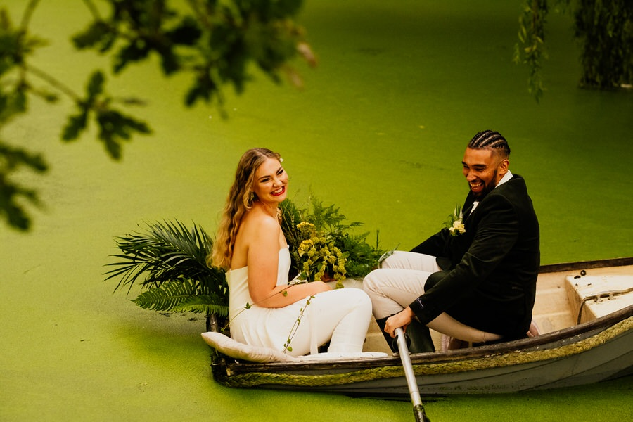 Free spirited modern jungle wedding inspiration at White Syke Fields, image credit Jenna Kathleen Photography (38)