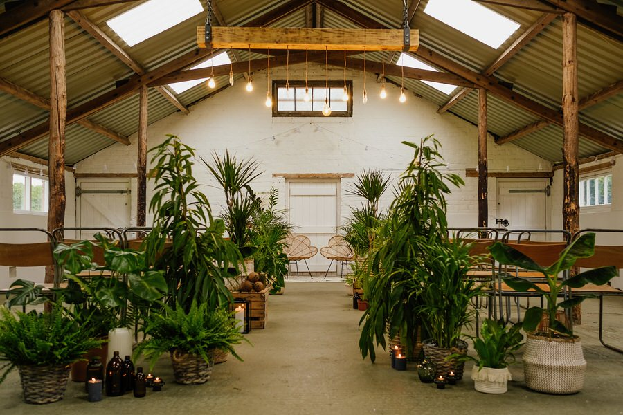 Free spirited modern jungle wedding inspiration at White Syke Fields, image credit Jenna Kathleen Photography (2)