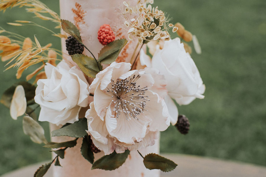 Cosy, snug and rustic wedding inspiration at The Scenic Supper venue (9)