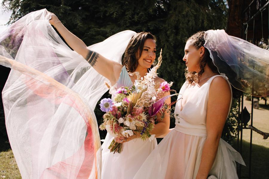Rustic Rainbow - a joyful styled elopement in Kent (4)